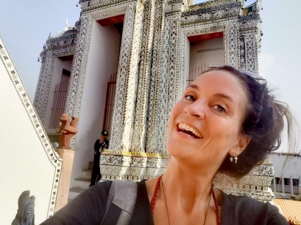 Maddy-at-Wat-Arun-Bangkok